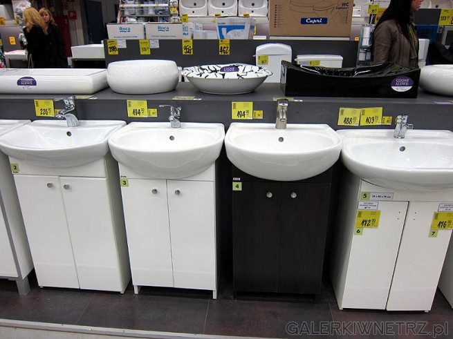 Zestaw szafka pod umywalkę i umywalka. Łazienka z Castoramy