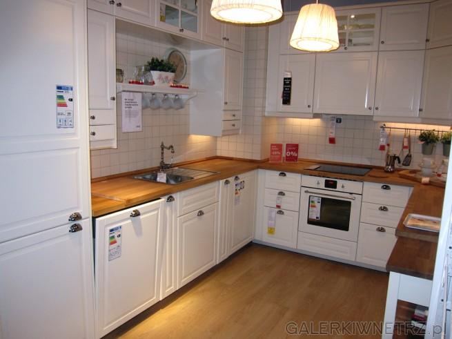 Piękna biała kuchnia z IKEI przypominająca kuchnie   -> Kuchnia Kremowa Ikea