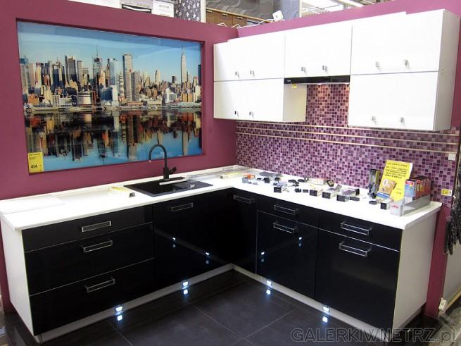 Kuchnia i lacobel na ścianie - nowa moda na aranżację wnętrza. Kolorowa ściana ozdobiona ...