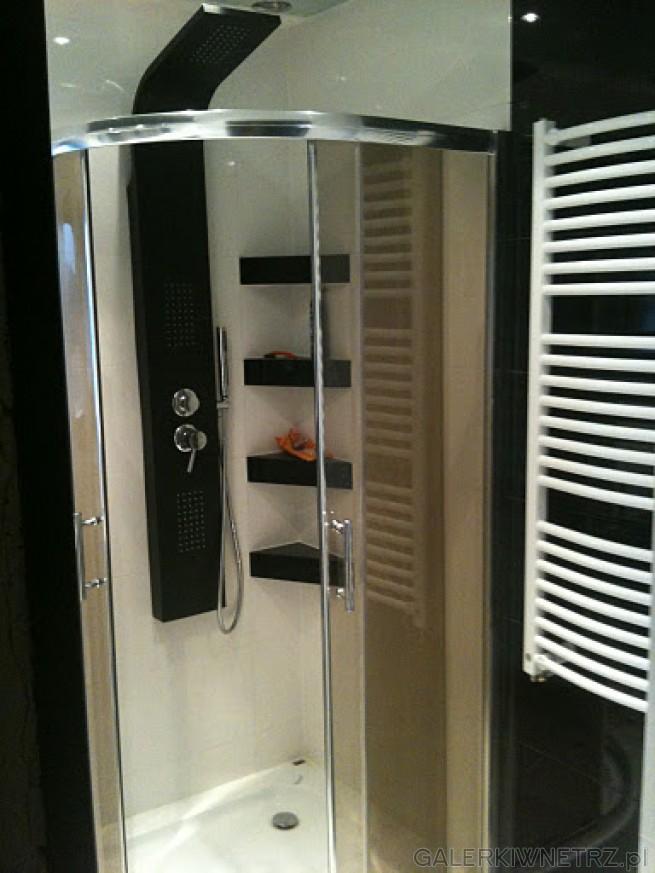 Mała kabina prysznicowa z niskim brodzikiem - Leroy Merlin z promocji 699 zł. Wygodne ...