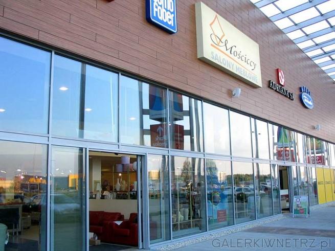 Domo Faber to salony meblowe sprzedające meble wypoczynkowe: sofy, fotele, narożniki, ...