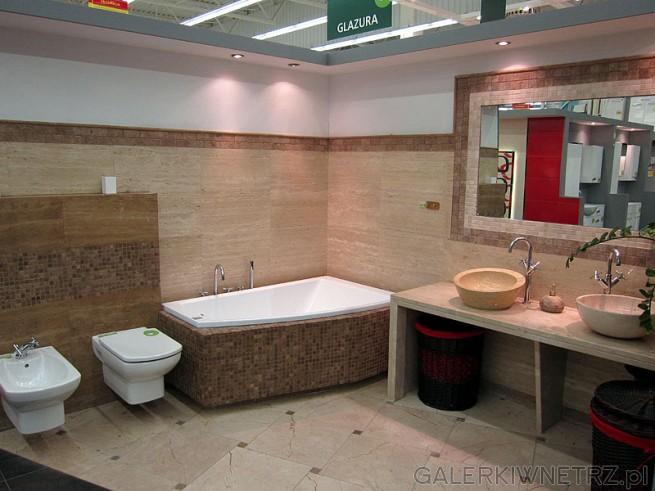 Łazienka w kamieniu dwie umywalki