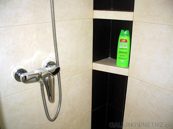 Bateria pod prysznic - zwykła jednouchwytowa. Najlepszym rozwiązaniem są jednak ...