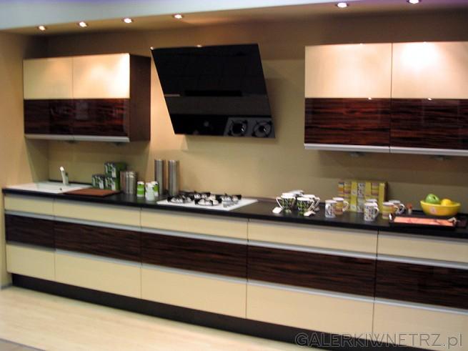 Kuchnia podłużna - na szerokiej ścianie