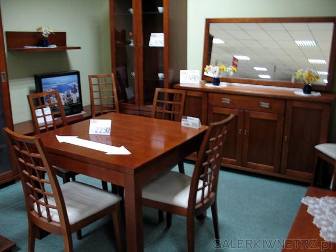 Stół i krzesła z ażurowym wypełnieniem