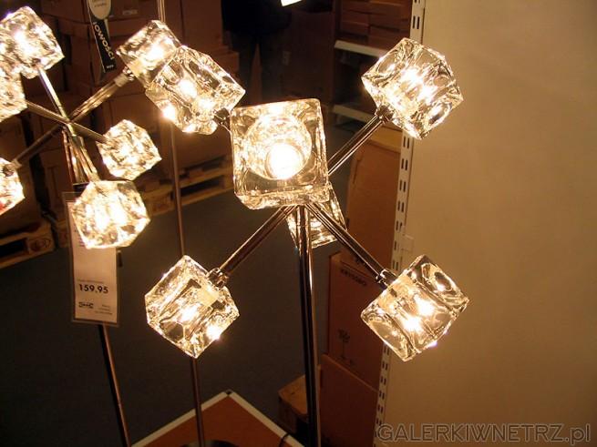 Ciekawa lampka halogenowa z kloszami z grubego szkła