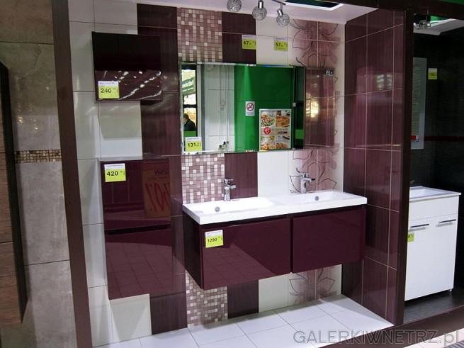 Nowoczesne meble do łazienki, kolor fiolet połyski, szafka pod umywalkę dwustanowiskowa.