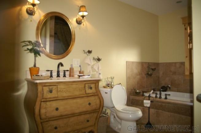 Łazienka po amerykańsku - dużo dodatków, nietypowe elementy jak komoda czy lampy. ...