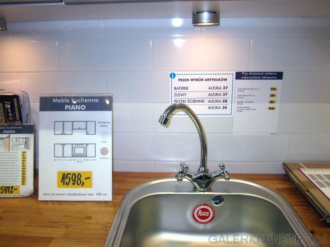 Dodatki, które zostały wykorzystane w kuchni PIANO to: blat drewno dąb 37 mm (310528), ...
