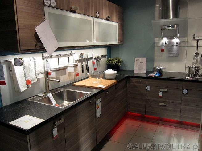 Cena kuchni ze zdjęcia 8230PLN cena obejmuje obudowy   -> Kuchnia Ikea Blaty