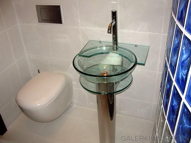 Szklana - kryształowa umywalka. WC typu Geberit firmy Velroy & Boch z klapą ...