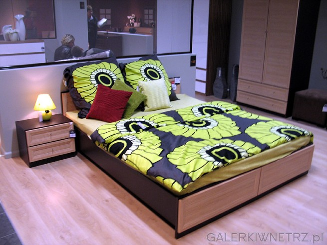 Propozycja na sypialnię utrzymaną zarówno w ciemnych, jak i jasnych kolorach. Rama ...