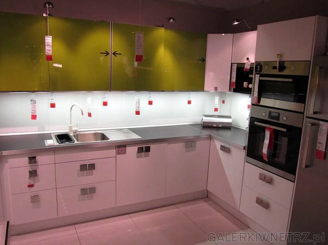 Kuchnia, połączenie bieli i zieleni