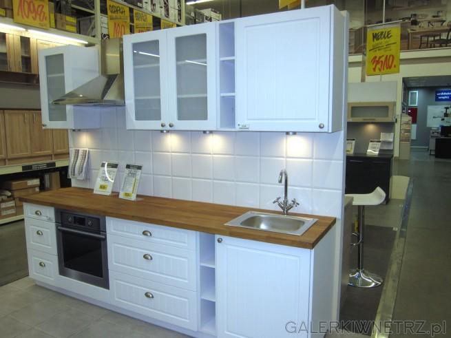 Zestaw kuchenny PIANO biały przypomina nieco styl   -> Castorama Kuchnia City Biala