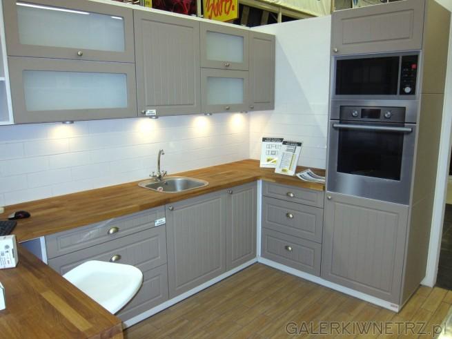 Kuchnie PIANO mają także swój odpowiednik w kolorze truflowym Zaproponowana   -> Castorama Inspiracje Kuchnia