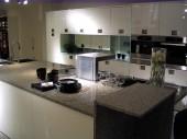 Przykłady aranżacji dużej kuchni w domu jednorodzinnym  - Kuchnie Mebel Rust Witt