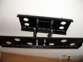 Wieszak obrotowy do plazmy lub LCD czyli precz ze stolikami RTV i telewizor mocujemy na ścianie