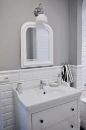 Łazienka w stylui rustykalnym - retro z meblami z Ikei