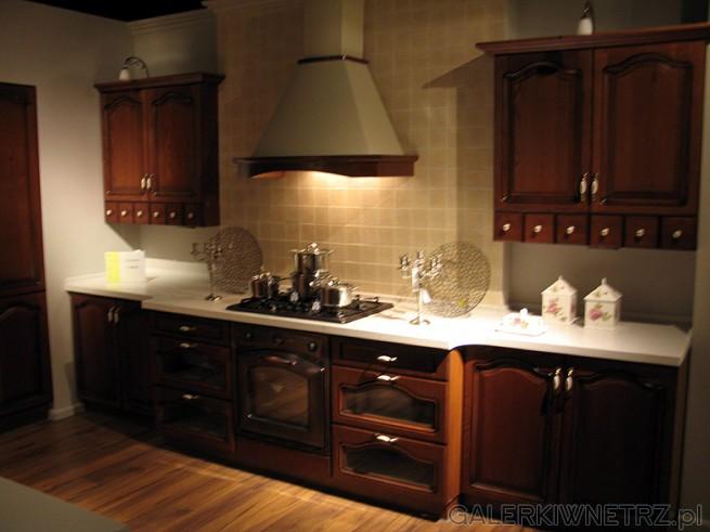 Stylowa kuchnia w klasycznym układzie wzdłuż jednej ściany. BRW Royal Diadema ...