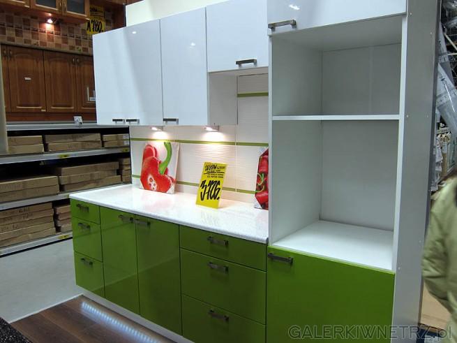 Zielona kuchnia - wysoki połysk, połączenie z białymi szafkami