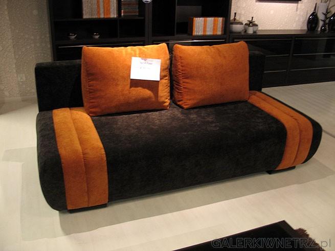 Ta sofa została już sprzedana. jest masywna, żółte poduszki i materiał obiciowy ...