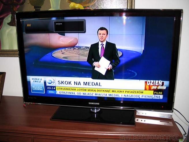 Na zdjęciu najbardziej płaski telewizor LED - SAMSUNG UE40C5000 - z podświetleniem ...