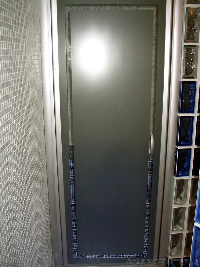 Drzwi do sauny (łaźni)