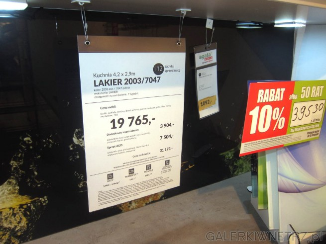 Projekt kuchni LAKIER 2003/7047, którego cena razem wynosi 19 765 złotych, zawiera ...