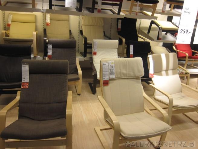 Wygodny fotel do salonu lub do pokoju, fotel typu POANG lub POANG/ISUNDA. Jasne ...