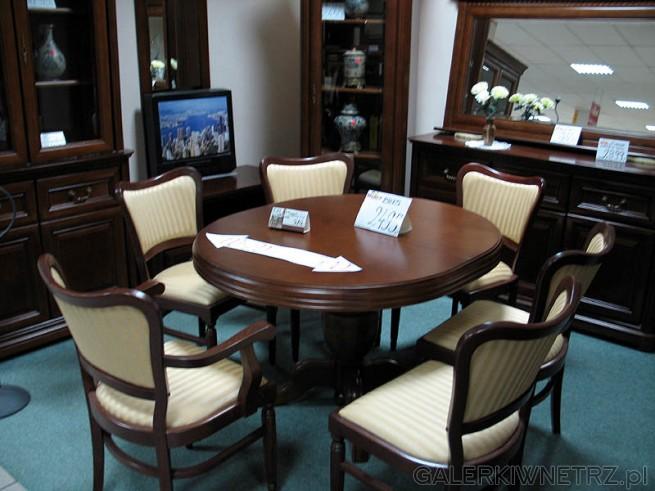 Okrągły Stół I Krzesła W Stylu Klasycznym Meble Do Salonu