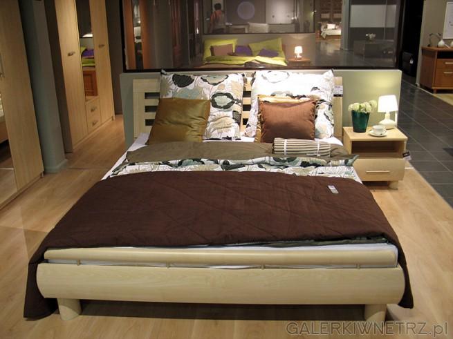 W ofercie sypialni znajdziemy dwuosobowe łóżko Dream w kolorze Klon Nida, łóżko ...