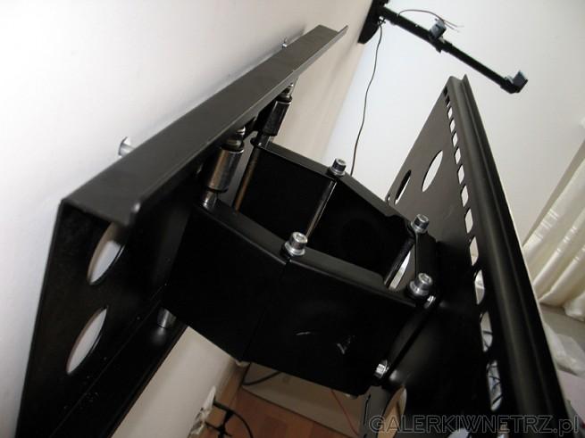 Jaki uchwyt do TV LCD - polecam tego typu z pantografem