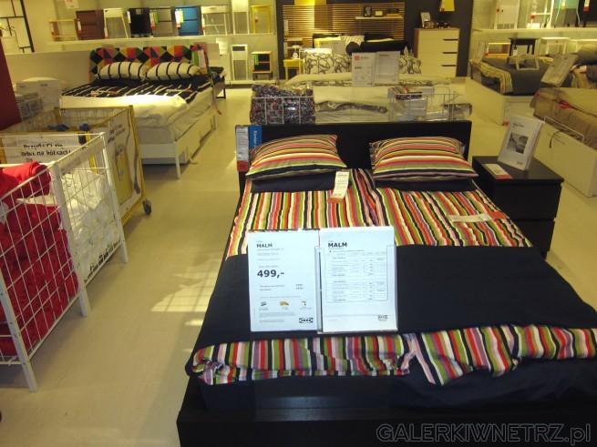 Dwuosobowe łóżko Malm Z Czarnego Brązu O Wymiarach 140x200