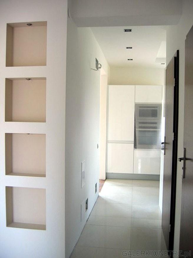 Drzwi wewnętrzne to Porta Nova kolor wenge. Gres w kuchni jest chiński, więc ...