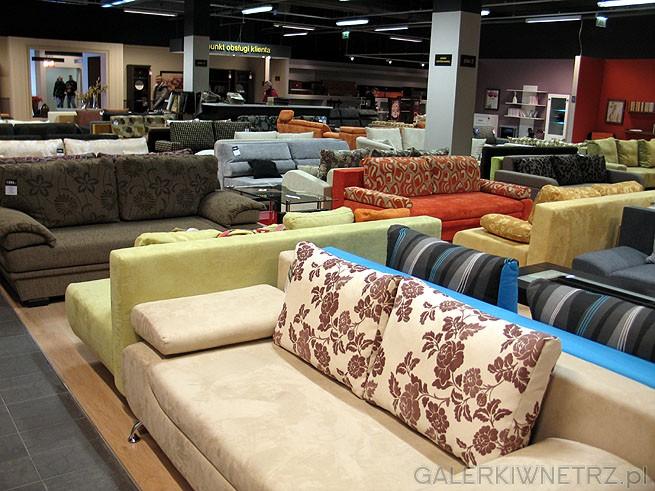 W salonie BRW jest bardzo duży wybór mebli: sofy, zestawy wypoczynkowe, narożniki ...