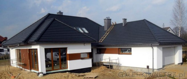 Płyta elewacyjna Cedral Euronit kolor brązowy C30. Sposób montażu: do ściany ...