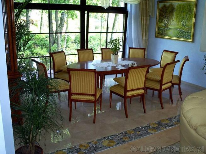 Wnętrze - salon w stylu klasycznym i mozaika wkomponowana jako optyczna granica ...