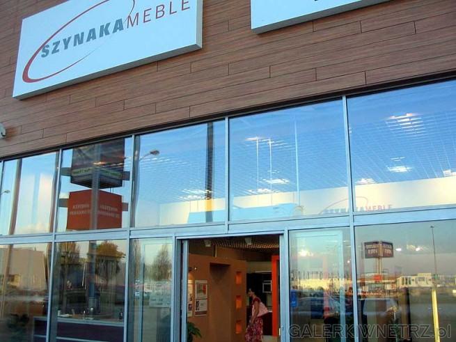 Szynaka Meble - firma z niemal 50-letnią tradycją. Produkuje meble mieszkaniowe, ...
