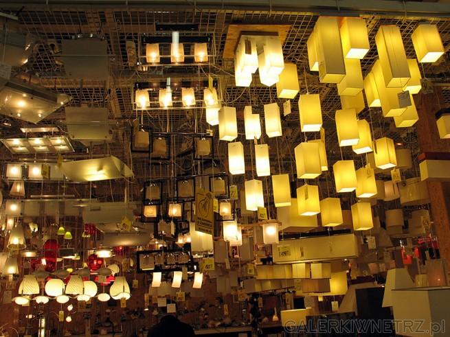 Duży wybór oświetlenia w Warszawie - np w dużych marketach budowlanych