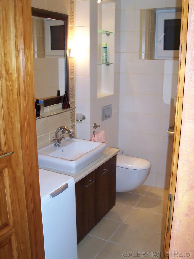 Półki w łazience - zabudowa ściany z płyty G-K