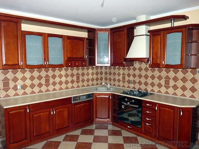 Bardzo duża kuchnia - około 20m2. Kuchnia w domu jednorodzinnym