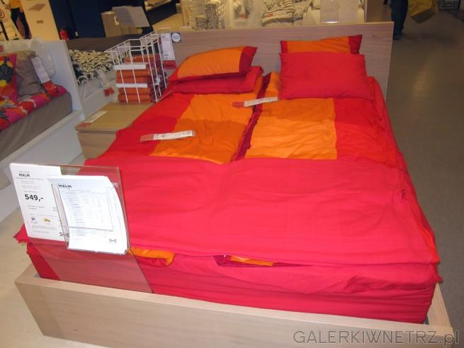Dwuosobowe łóżko MALM z dębu bejcowanego na biało, łóżko o wymiarach 160x200 cm. ...