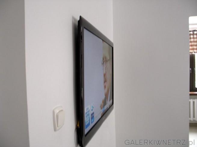 Efekt końcowy. Telewizor LED na ścianie