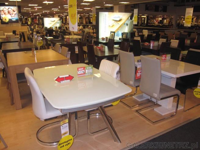 W Agata Meble znajdziemy m.in. taki stół rozkładany - z białym blatem oraz srebrnymi ...