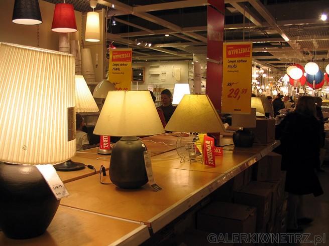 Lampka stołowa z abażurem. IKEA of Sweden