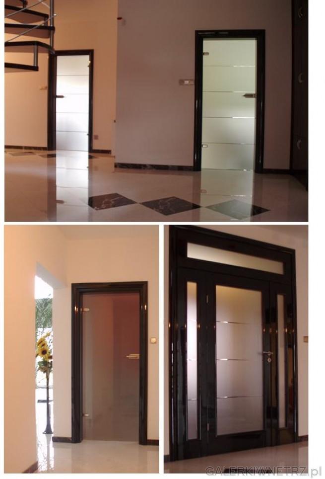 Drzwi pełne szklane wewnętrzne o nowoczesnym wyglądzie. Drzwi całkowicie są ...