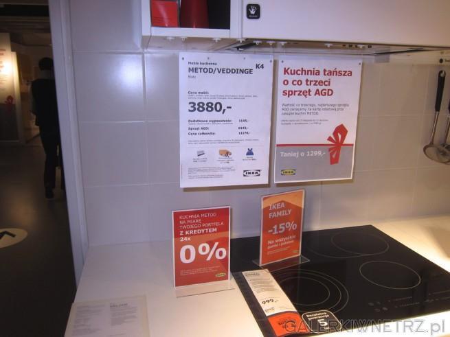 W IKEI znajdziemy zestaw mebli kuchennych METOD/VEDDINGE w cenie 3880 złotych. Dzięki ...