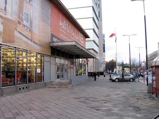 Meble Emilia - sklep w centrum przy Emilii Plater około 100m od Złotych Tarasów. ...