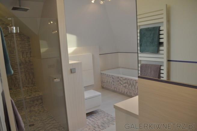 Łazienka zaprojektowana w bardzo przemyślany sposób, idealna dla dzieci. Dbałość ...