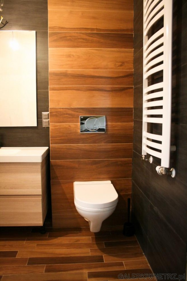 Aranżacja ciepłej łazienki z płytkami drewnopodobnymi. Płytki drewnopodobne ...